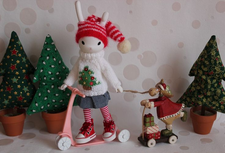 https://flic.kr/p/aTaAfa | Christmas gifts delivery | Home made Christmas outfit…