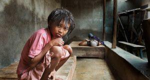 Ahol láncon tartják a betegeket – Megrázó fotók egy indonéz elmegyógyintézet betegeiről
