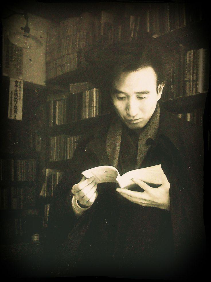 Osamu Dazai (太宰治) in a bookstore.