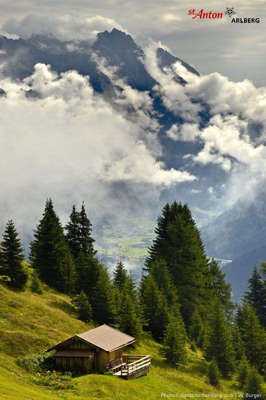 Spektakuläre Wolkenstimmung über dem Stanzertal | St. Anton am Arlberg | Tirol | Austria