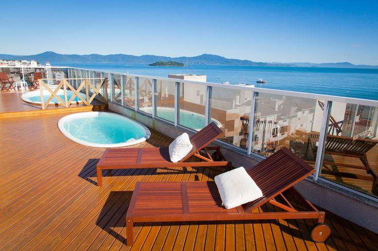 Piscina com vista para o mar. #florianopolis #floripa #canasvieiras #hoteisemflorianopolis #hotelemflorianopolis