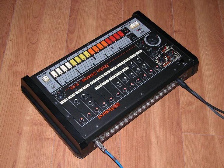 tr 808 drum machine