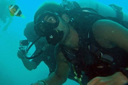 Scuba Legends Magazine - Are you tired of seeing the fish running away from you? Discover how approach and remain near the fish while Scuba Diving.