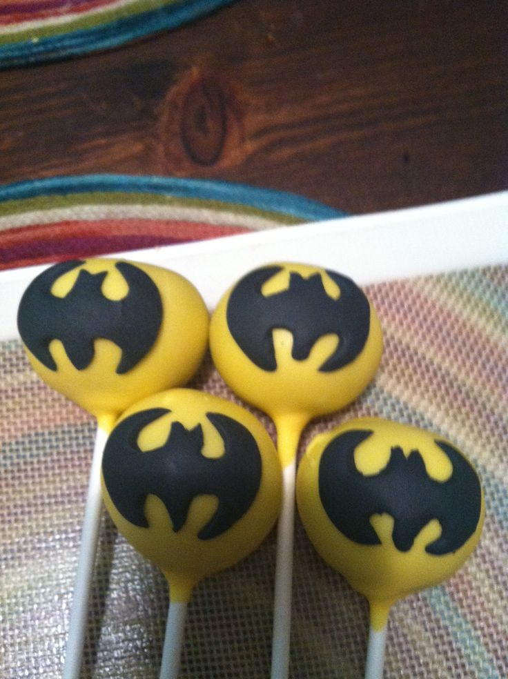Holy cake pops Batman !!! Thanks Friandise pastries !