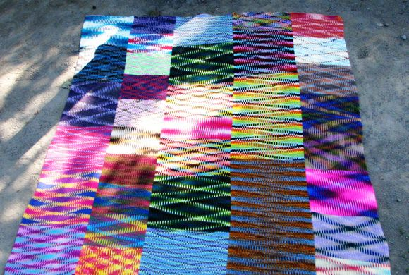 Really amazing colour effects achieved by finding the 'sweet spot' on self-striping yarn. This is something I want to play around with.