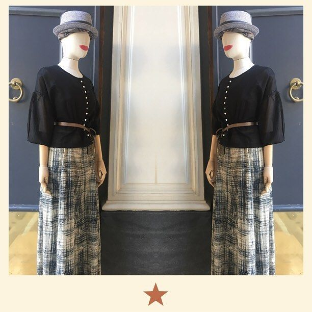 Mirroring  long skirt in printed cotton with @bacomilano shirt and @puntovitaarsenice leather belt. See you tomorrow in shop! ⭐️#bacomilano #shopping #milano #shop #shopourinstagram #shoponline #shoplocal #fashion #instafashion #girl #womanstyle #womanfashion #styles #style #fashionmagazine #ss17collection #dress #spring #summer