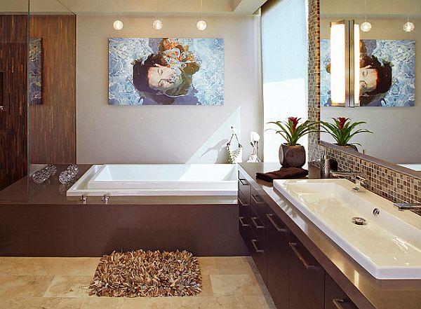 Keramik-Waschbecken mit Unterschrank, eingebaute Badewanne