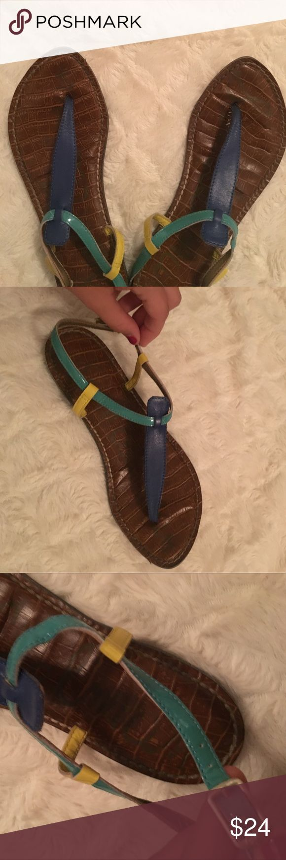 Sam Edelman Gigi Thong Sandals Sam Edelman Gigi Thong Sandals. Has leather & patent material with buckle closure. These are great to be casual or to dress up. Good condition! Size 7. Sam Edelman Shoes Sandals