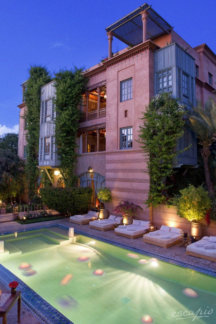 How about a romantic trip into the width of Marrakesh, Morrco You can take a rest in the beautiful Dar Rhizlane Palais Table d'hôtes & Spa.