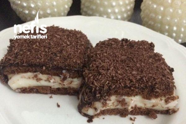 Çikolata Soslu Bisküvili Tatlım Tarifi nasıl yapılır? 11.454 kişinin defterindeki bu tarifin resimli anlatımı ve deneyenlerin fotoğrafları burada. Yazar: Humeyra Ture