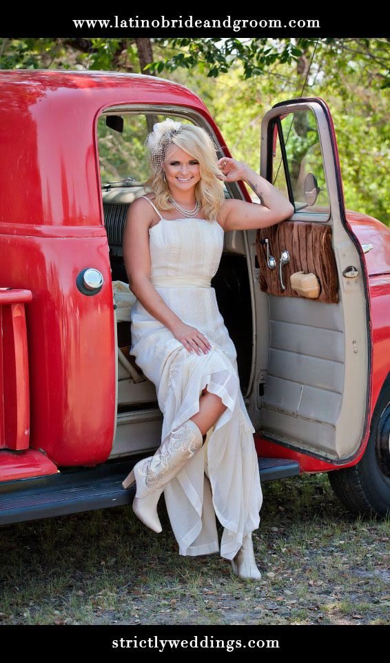 Country Looking Wedding Dresses
