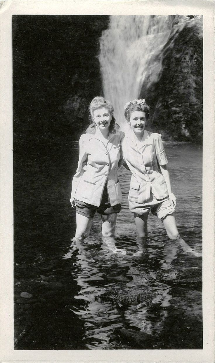 TWO PRETTY WOMEN (SISTERS, TWINS?) STANDING IN WATER & VINTAGE SNAPSHOT PHOTO | eBay