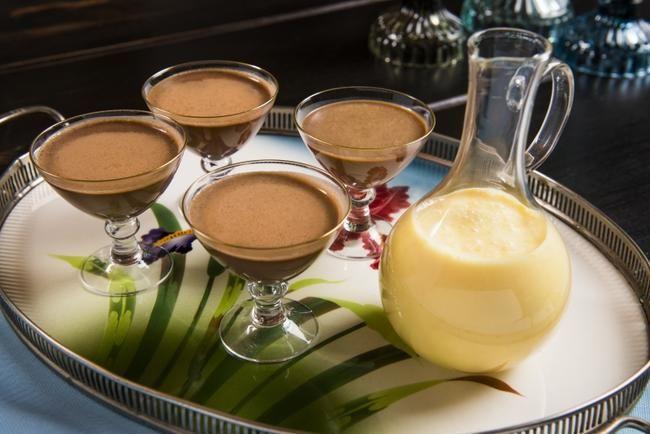 Sjokoladepudding med ingefær- og appelsinfløtesaus
