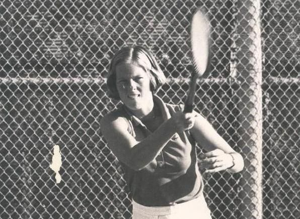UCI alum (1973-78) Lindsay Morse (Bennett) spent a year playing professional tennis and reached a career high singles ranking of #39 in 1980.  She was inducted into the ITA Women's Collegiate Tennis Hall of Fame in 2014.  She won the singles title at the National Championship in 1977.  She was a runner-up in singles & doubles in 1974.  She is a member of the UCI Hall of Fame Class of 1983.