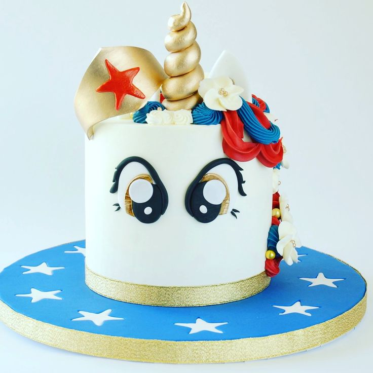 Wonder Woman unicorn cake