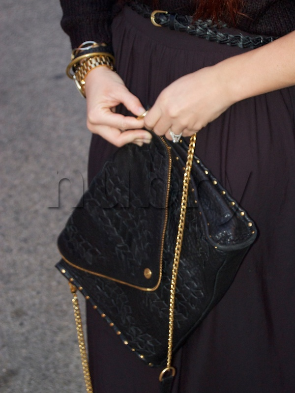 Detach your Rebecca Minkoff Infinity Woven Sling bag chain and it becomes a chic clutch! Full tutorial on nubry. - $350