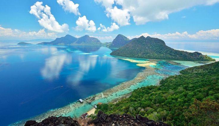Fan total de la gente que inspira . La luz atrae la oscuridad... también (solo es cuestión de cambiar el punto de mira) | Fot.: Nora Carol Sahinun #parque #park #paisaje #landscape #isla #island #oceano #ocean #asia #panoramica #panoramic #malasia #malaysia #kinabalu #sabah #borneo #kota #semporna