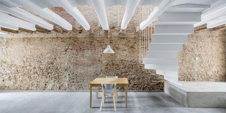 DataAE > Rehabilitación de una casa entre medianeras en Sant Feliu de Llobregat