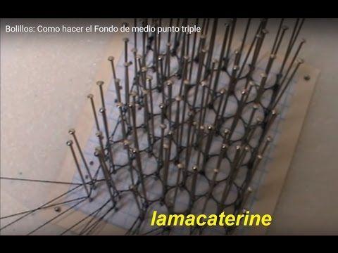 www.lamacaterine.com En este video quiero mostraros como hago un fondo de medio punto triple y además como trabajo la orilla con un par pasivo para que quede...
