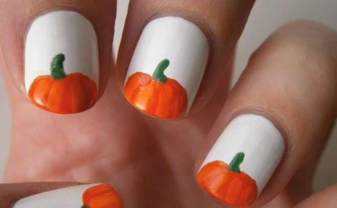Nail art Halloween 2013 - Smalto bianco e zucche per Halloween