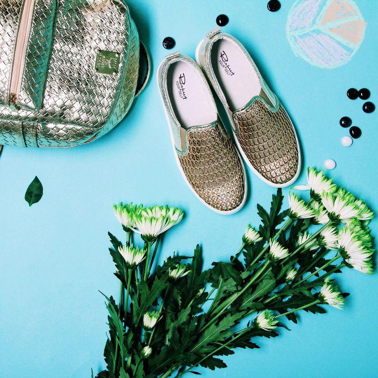 Эти яркие и необычные слипоны золотого цвета с перфорацией✨ хорошо смотрятся со светлыми джинсами скинни👖 , легкой туникой и нашим эффектным рюкзачком🎒🌟 Слипоны:FB026-013/8 Рюкзак: K024-CLR2 #respectshoes #iloverespect #shoes #ss17 #shopping #обувьреспект #шоппинг #мода #весна #веснавrespectshoes