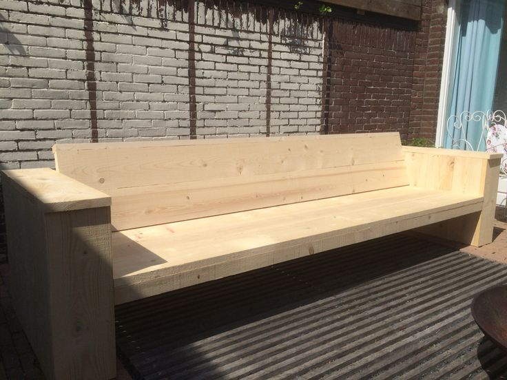 Loungebank van nieuw steigerhout. Binnenkort verkrijgbaar by lililanathome.nl