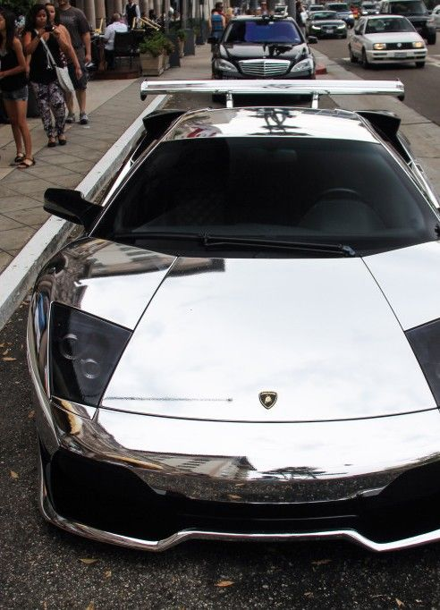 Lamborghini Murcielago. U could really look in the mirror at the car now!