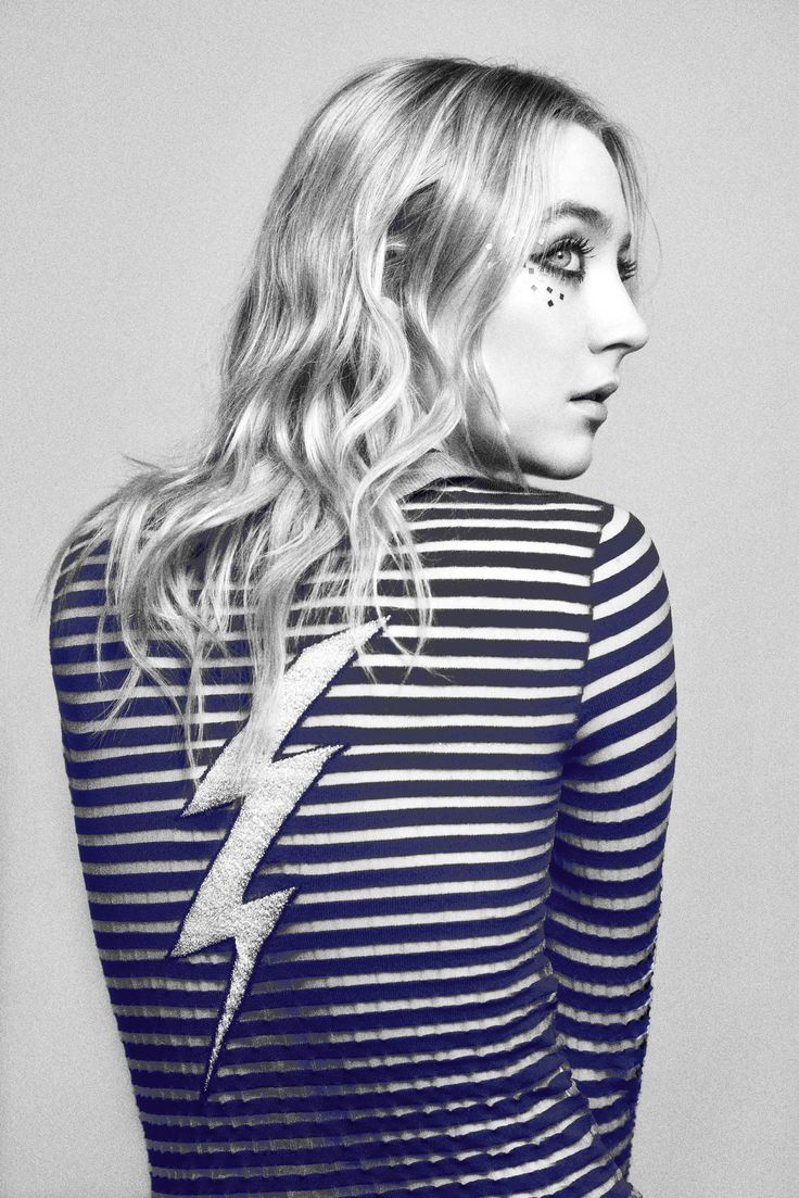 Saoirse Ronan is present, with or without a broken finger.