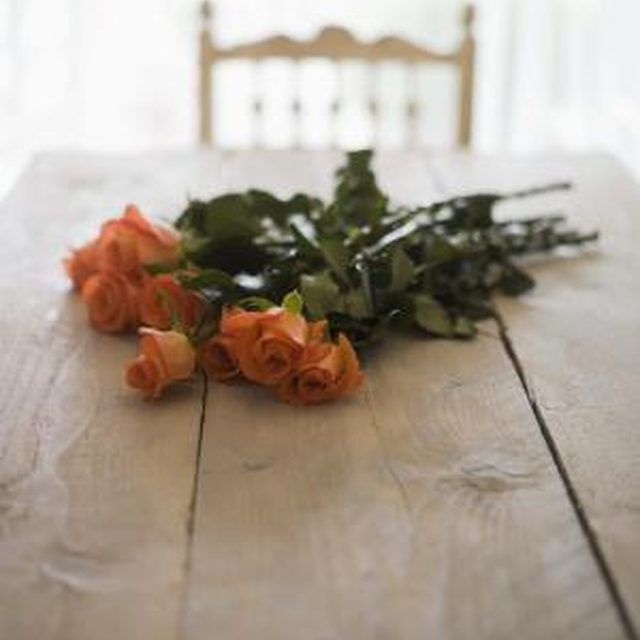 Unlike real roses, birchwood roses are versatile and can be painted any color.