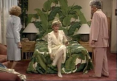 Blanche does love her banana leaves (Photo: The Original Beverly Hills Wallpaper)
