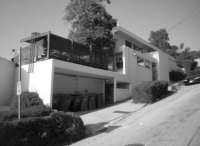 Falk Apartments / Rudolph Schindler