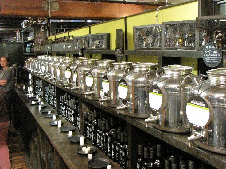 Les fûts en inox, idéal pour la vente d'huile en vrac ...