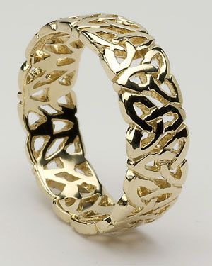 Beautiful Celtic ring...