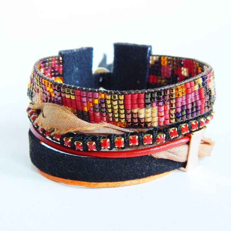 Leniwiec Domowy: Boho bracelet with beaded loom element