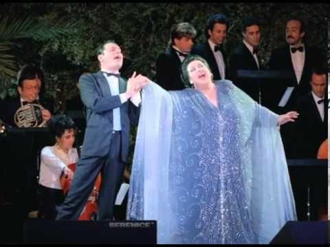Freddie Mercury Ft. Montserrat Caballe - Barcelona - (Live in Olimpiada Cultural) - YouTube