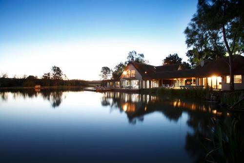 The beautiful lake scene for a wonderful wedding and top class accommodation in Pretoria - Gauteng