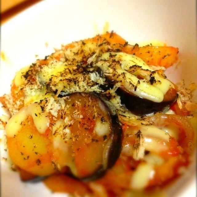 コンソメとトマトピューレでトマトポトフの味がする炒め物を作ってみた!(≧з≦)  仕上げはチーズとパン粉をのせてオーブンで焼いた!( •̀ .̫ •́ )✧  やっぱりうまかった!((´∀`)) - 92件のもぐもぐ - 汁なし焼きポトフ by shinjiterao