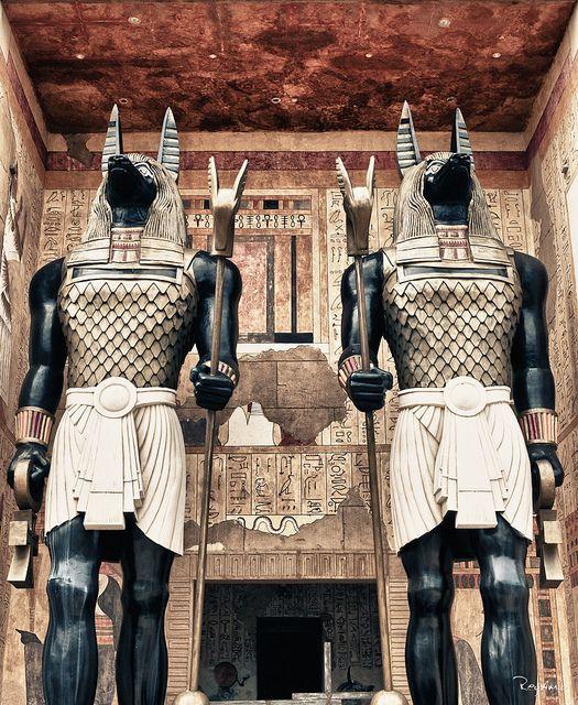 Anubis statues