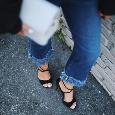 Case of the Monday's. Shop the look by typing this address http://liketk.it/2piMj directly into your browser or register @liketoknow.it #liketkit #ootd #fashionblogger #personalstyle #fringedenim #bloggerlife #bloggerstyle