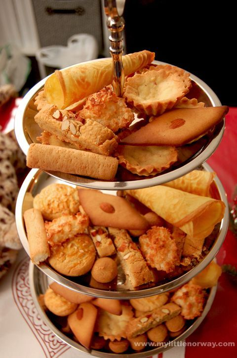 seven-sorts-3-platter | Norwegian Custom of seven varieties of Christmas Cookies | Norwegian Cookie Recipes