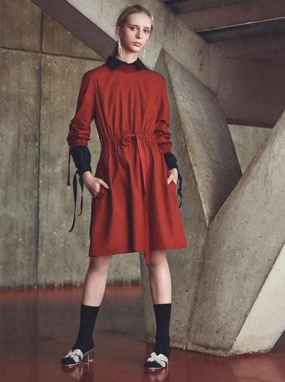 #photography #model #clothing #fashion #readytowear #girl #woman #ponytail #legs #dress #ribbon #socks #silver #tongs #shirt #kimono #sport #martialarts #cravmaga #boxing #judo #tatami #muaythai #MMA #fight #sportswear #UNXParis #UNX