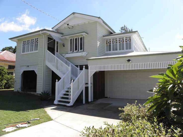 The light colour really lifted this lovely Ipswich property.  http://kraudeltpainting.com.au/