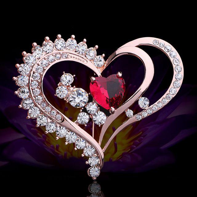 Luxo Rhinestone Cristal Broches Para As Mulheres 2016 Jóias de Ouro Rubi Colar Broche Encantos Do Amor Do Coração Broche Alfinetes de Lapela