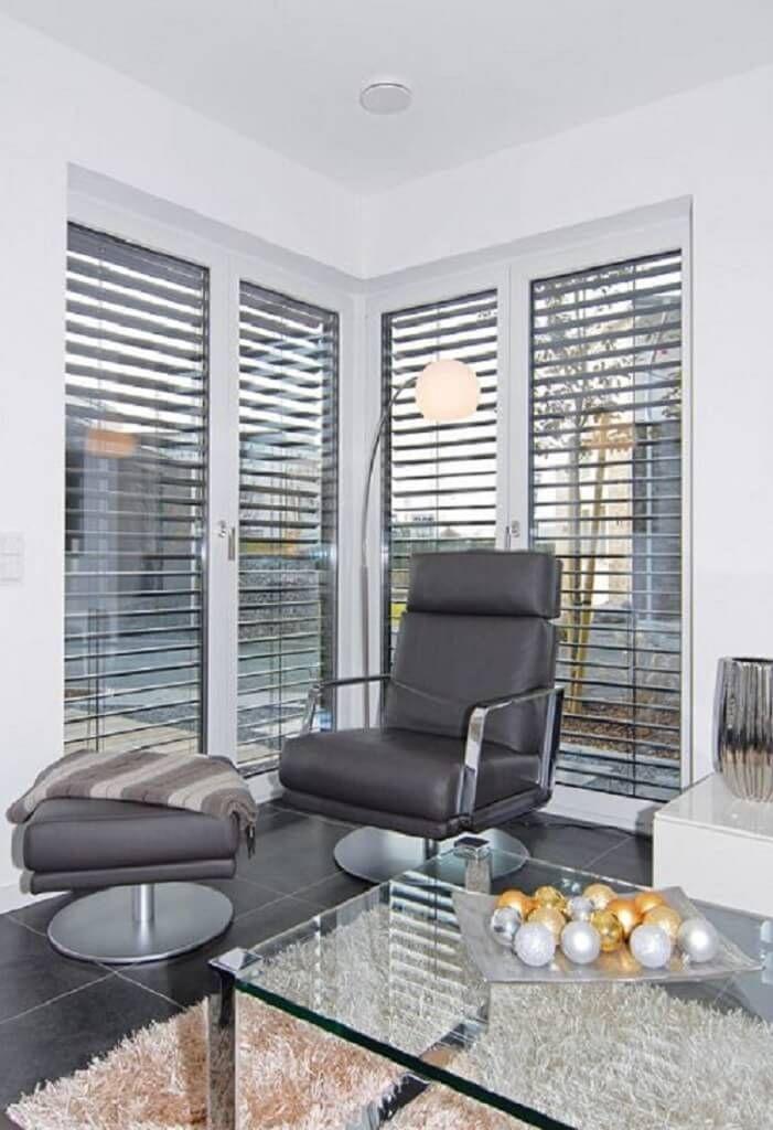 Erker mit Sonnenschutz Jalousien außen am Fenster - Inneneinrichtung Haus Köln Streif Haus - HausbauDirekt.de