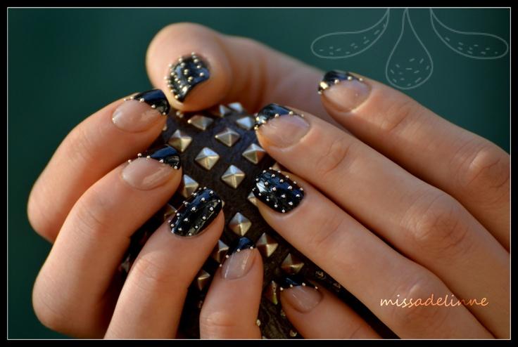 MissAdelinne: Studded Nails: Gold Nails, Nails Design, My Life, Nails Tips, Studs Nails, Black Gold, Nails Art Design, Black Studs, Rocks Nails
