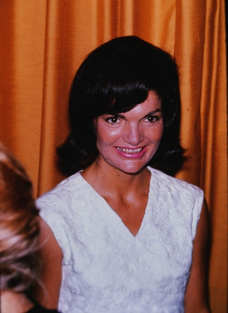 Title: JACKIE KENNEDY ONASSIS - Us First Lady - Orig. Year: 1970's. Front view. Condition: WYSIWYG. 35mm Color Slide - Excellent condition. | eBay!