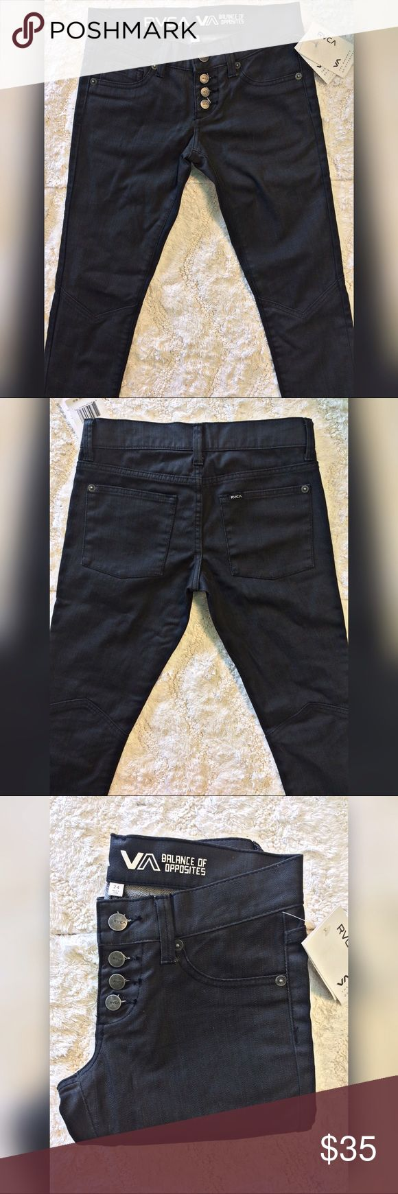 RVCA Perfect Stranger Skinnies (NWT) RVCA Perfect Stranger Skinnies🔥🔥🔥 NWT - New condition✨ Four button closure and cute knee seams! Size 24 - recommend for a 23/24 size.   🙌🏽Bundle With Two or More Items for 20% OFF🙌🏽  👉🏽Item ships May 2nd👈🏽 RVCA Jeans Skinny