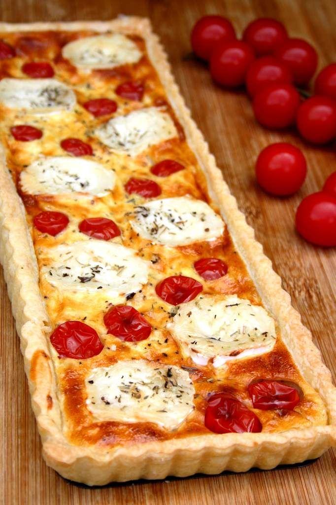 Une tarte presque comme une quiche, au tomates cerises et fromage de chèvre