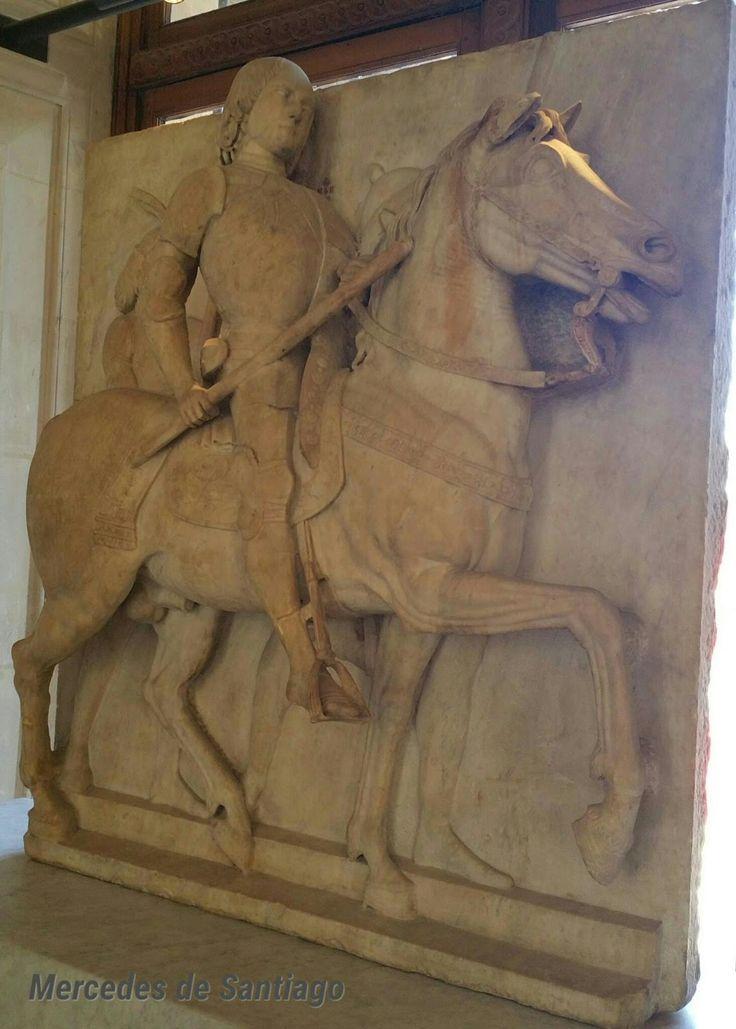 Fotograrte: Monumento funerario del Condottiero Roberto Malatesta