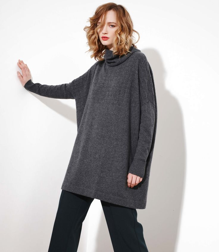 The Signature Sweater in Charcoal - Cashmere/Merinowww.nineteen46.co.nz
